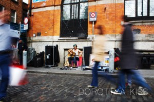 Busker in Dublin Temple Bar